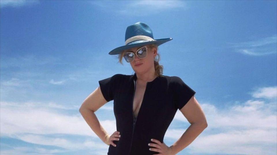 Hammer-Body: Rebel Wilson präsentiert sich im Badeanzug