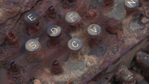 Landesamt erhält Enigma-Chiffriermaschine aus der Ostsee