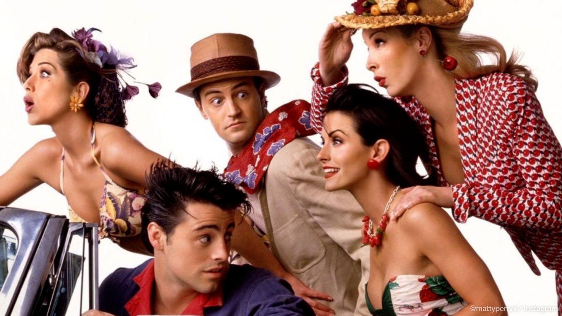 Versehen oder Marketing-Gag? Matthew Perry postet und löscht Foto vom 'Friends'-Set