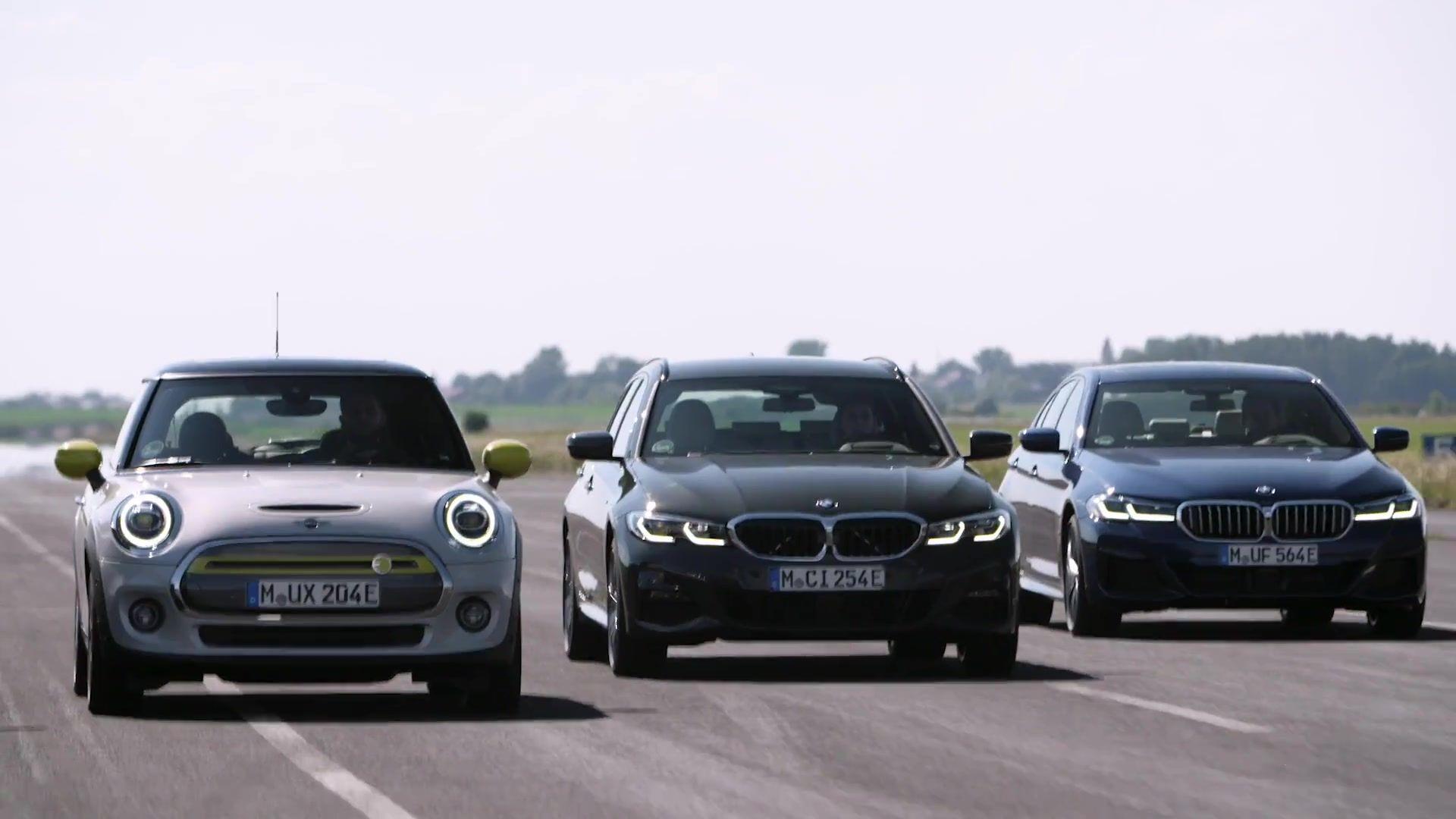 Pure Fahrfreude, reiner Fahrspaß – Vollelektrische Mobilität mit dem BMW iX3, dem BMW i3 und dem MINI Cooper SE
