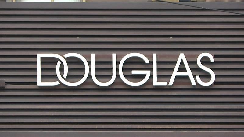 Parfümeriekette Douglas will zahlreiche Stellen streichen und Filialen schließen