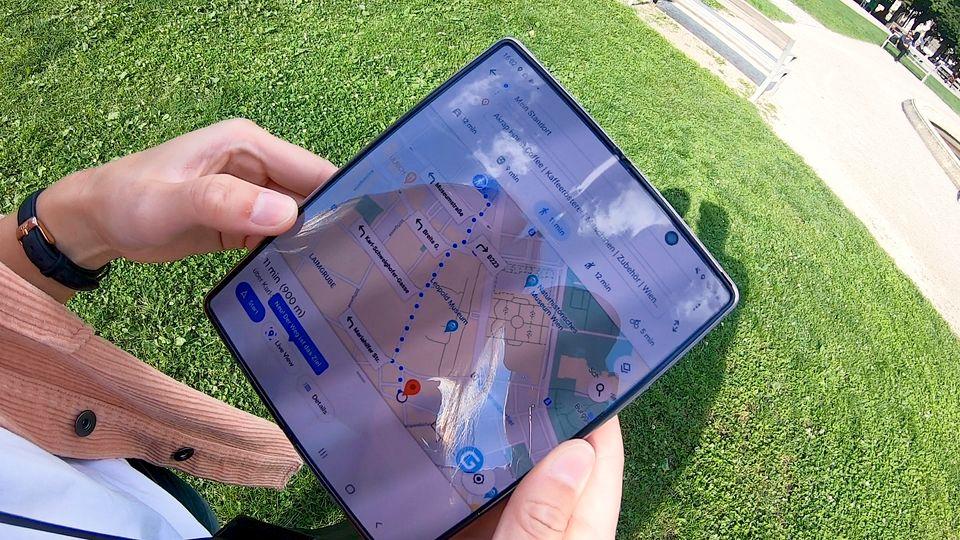 Samsung Galaxy Z Fold 2: Was kann das 2000-Euro-Falthandy?